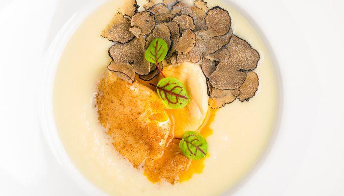 Food Photography: tecniche di illuminazione e food styling per l'editoria
